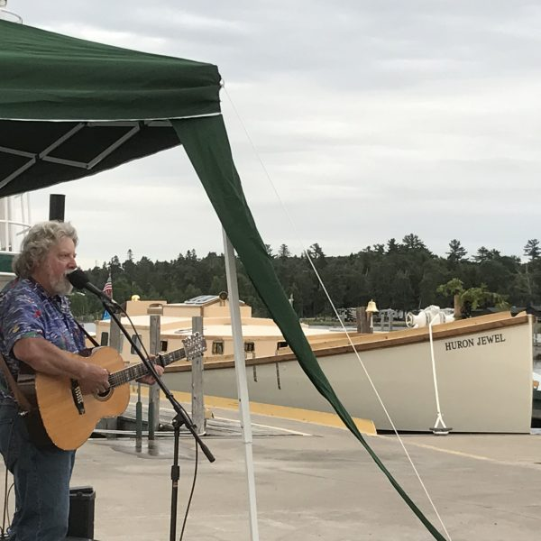 Lee Murdock, balladeer of the Great Lakes, entertained guests throughout the day and that evening with a great concert.